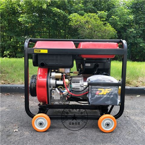户外可以手推的一款5K三相柴油发电机